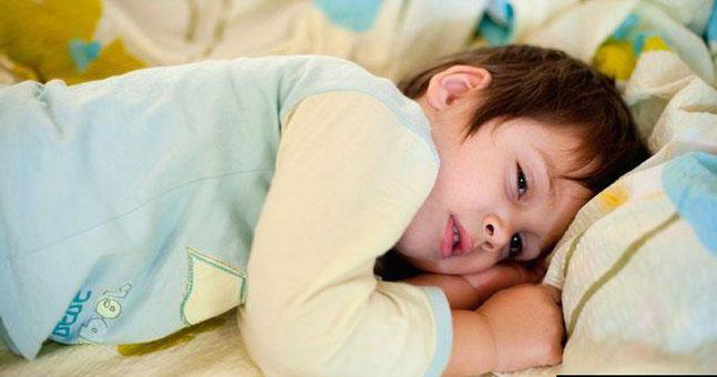 مراحل خواب طبیعی : به طور کلی خواب طبیعی به دو مرحله ی رم REM که شامل حرکت سریع چشم ها بوده و مرحله ی نان رم NREM که فاقد حرکت های چشمی می باشد.